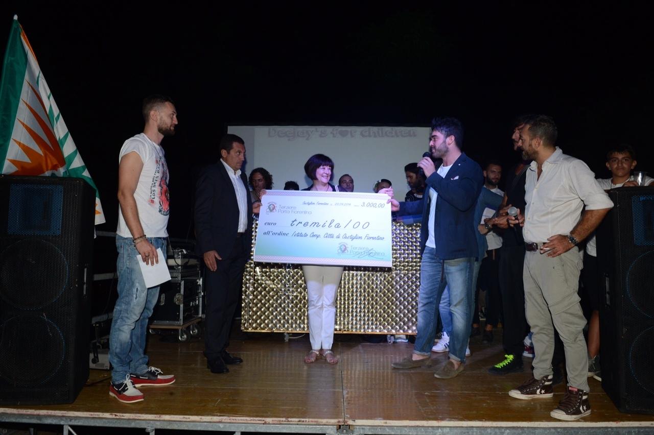 Deejay's for Children: raccolti 3 mila euro per l'Istituto Comprensivo 'Città di Castiglion Fiorentino'