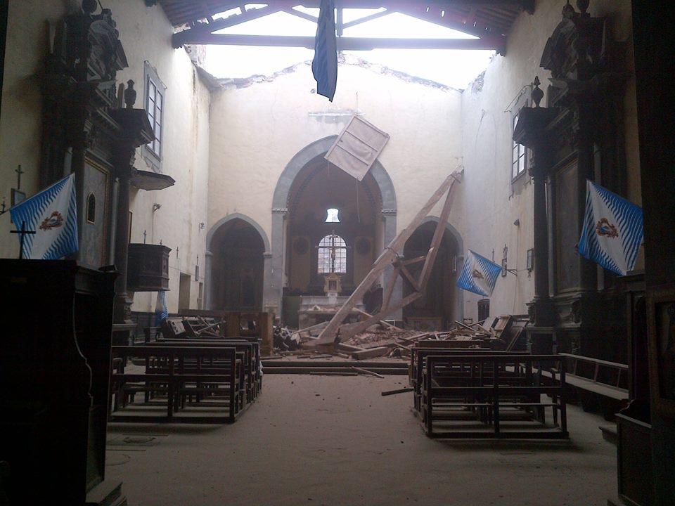Crollata parte del tetto della Chiesa di Sant'Agostino a Castiglioni