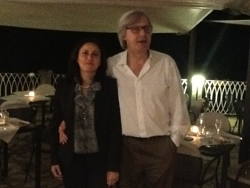 Sgarbi in visita ai 'tesori' di Lucignano, ipotesi 'Albero d'oro' all'Expo
