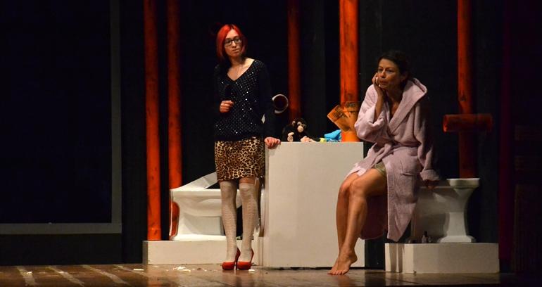'Sold out' al Verdi, la nuova stagione teatrale savinese inizia alla grande