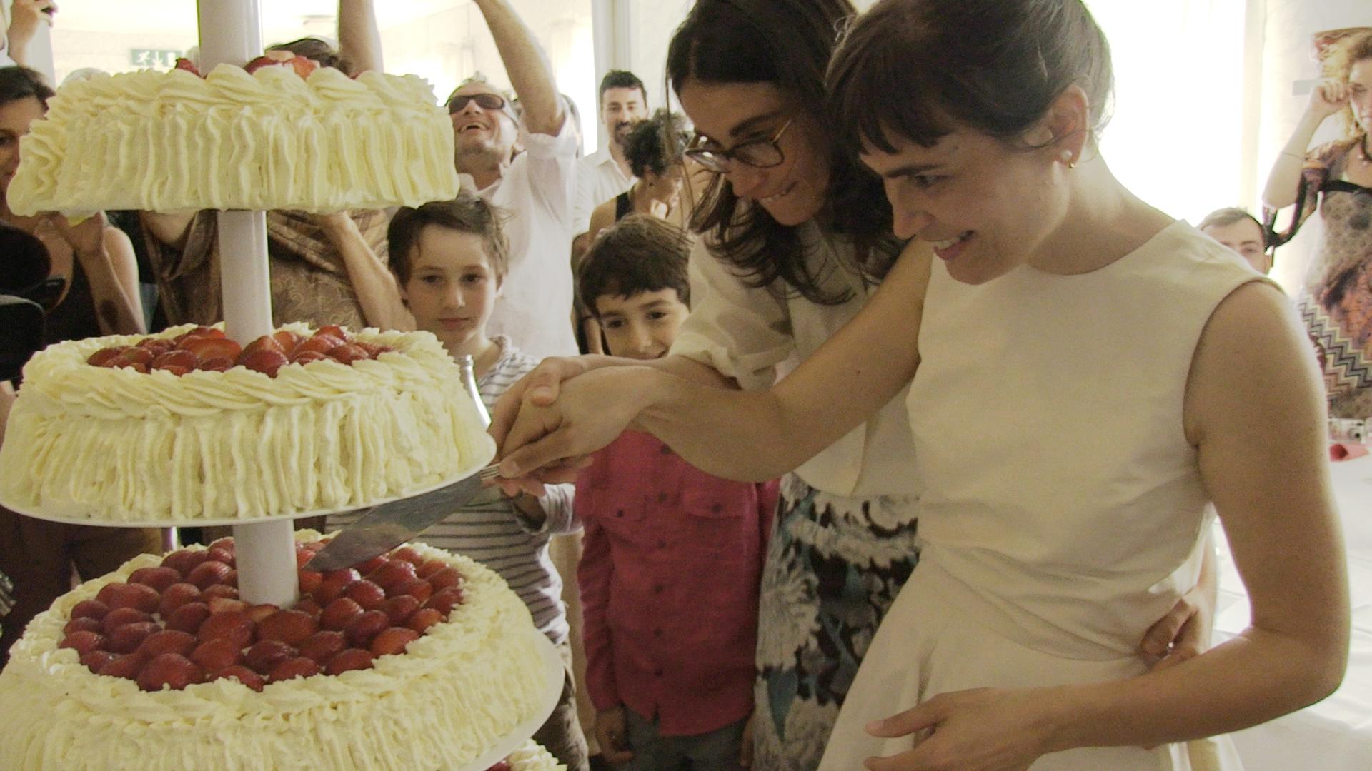 A Monte San Savino 'Lei disse sì', la rivoluzione a colpi di bouquet