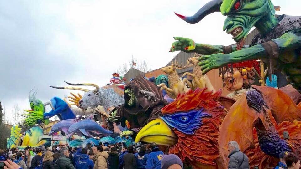 Foiano, prima domenica del Carnevale, ecco i carri