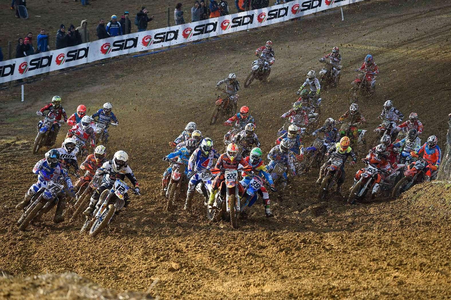 Oltre 5mila per gli Internazionali d'Italia di Motocross a Gioiella, le foto