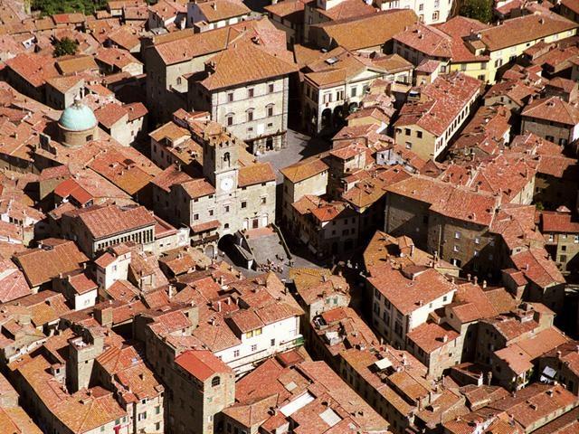 Cortona, raccolta rifiuti: nuova organizzazione nel Centro Storico
