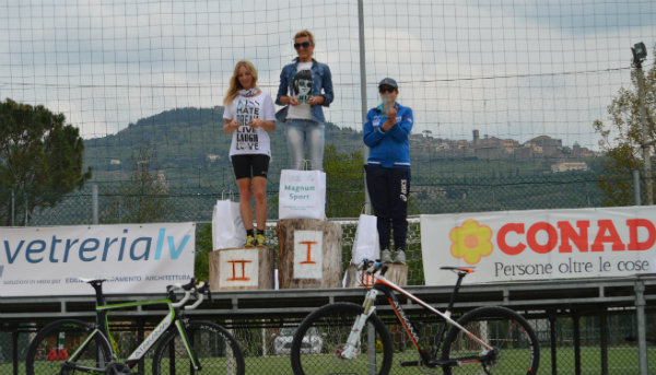 podio donne duathlon2105