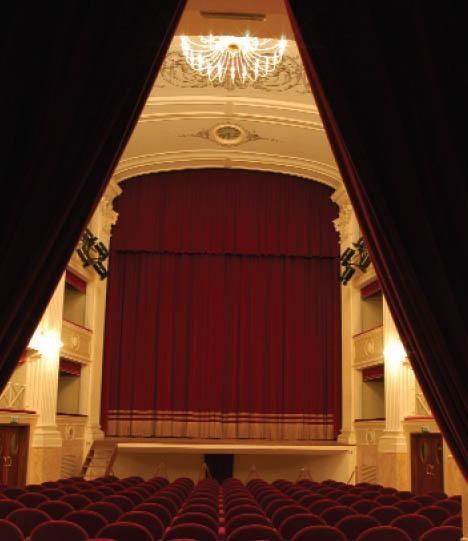 Riapre il Teatro di Castiglion Fiorentino, la Giunta invita Roberto Benigni all'inaugurazione