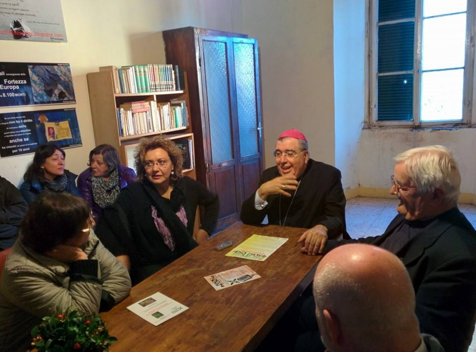 Visita pastorale del ArciVescovo Fontana a Radio Incontri In Blu