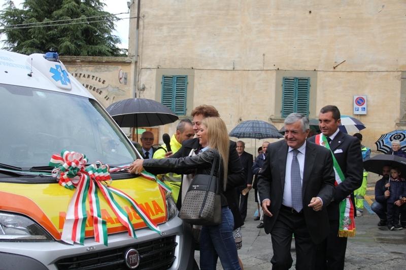 Una nuova ambulanza per la Misericordia di Castiglion Fiorentino