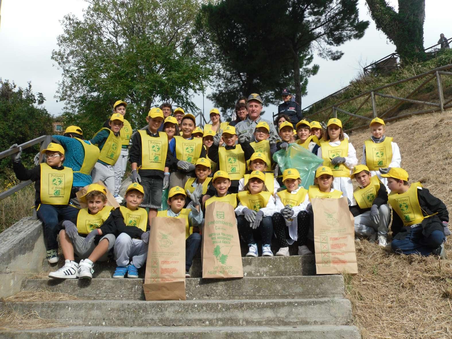 A Montepulciano 'Puliamo il mondo' con le scuole elementari
