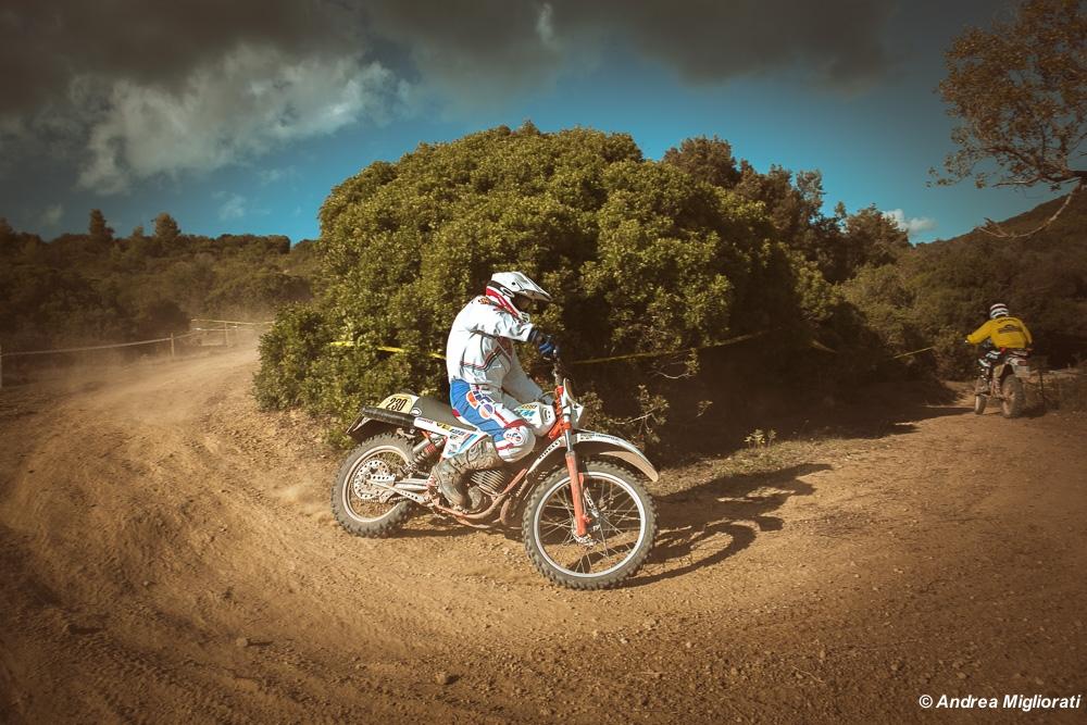Moto Club Castiglionese, prosegue l'avventura all'Elba. Foto e racconto del giorno 2