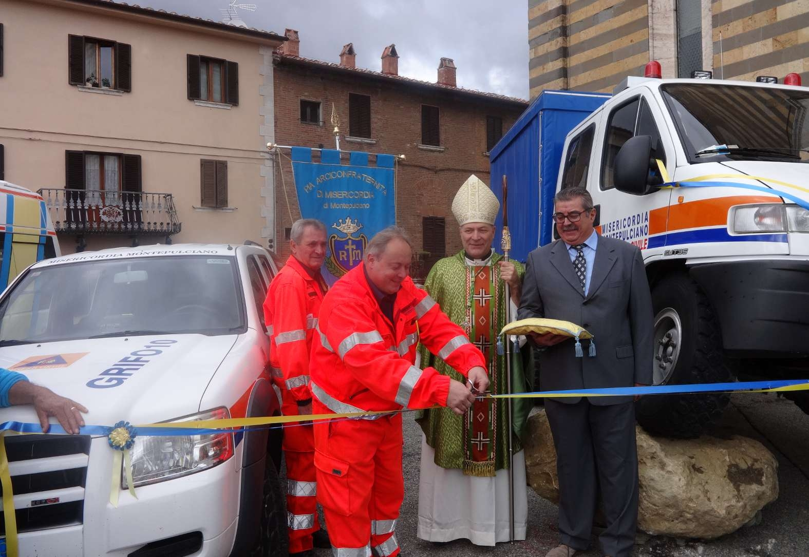 Nuovo autocarro per la Misericordia, servirà per la Protezione Civile