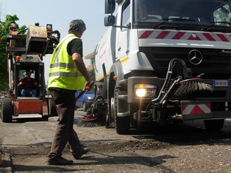Viabilità, serie di interventi di asfaltatura e manutenzioni nel territorio cortonese