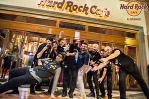 HARD ROCK CAFE FIRENZE PARTE LA SFIDA TRA BARTENDER PER LA  GLOBAL  BAROCKER COMPETITION TARGATA HARD ROCK CAFE