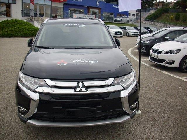 Test Drive: Outlander, tutto il nuovo il Suv Mitsubishi