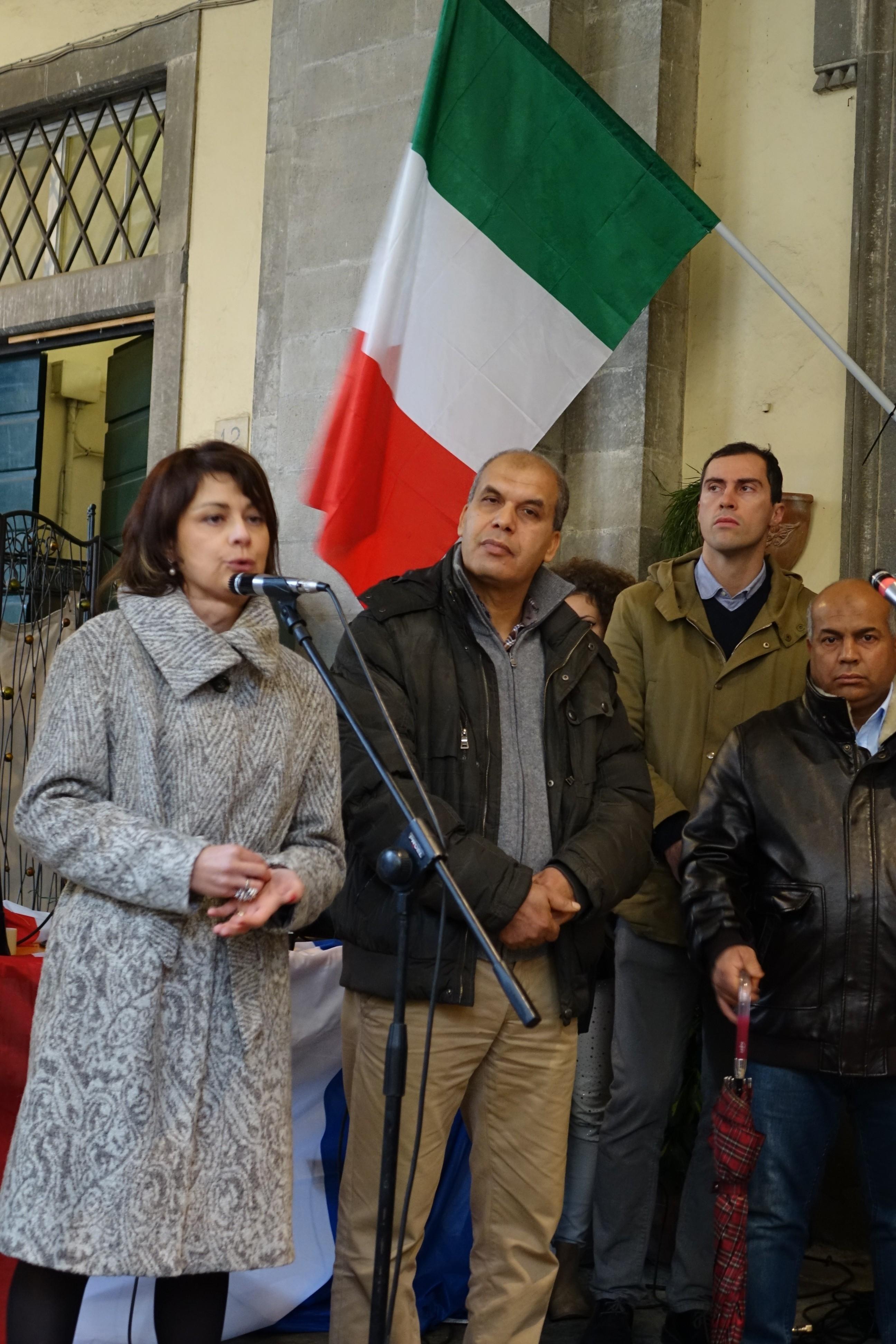 Manifestazione a sostegno della Francia, l'intervento del Sindaco Basanieri
