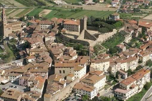 'Nel nome di Dante', percorso per le vie del centro storico di Castiglion Fiorentino