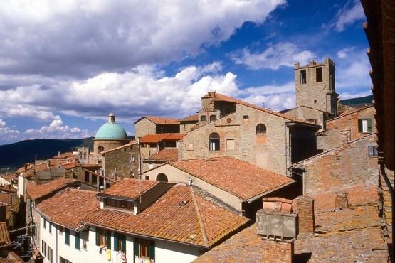 L'Archivio Storico della Curia resta a Cortona, buona notizia!