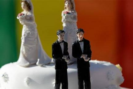 Matrimoni Gay: meglio un Referendum che uno scontro di piazze