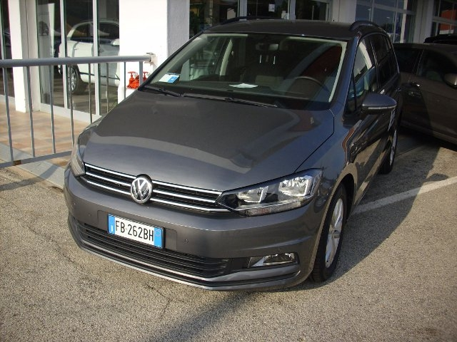 Test Drive: Volkswagen Touran, in tour nel nord Europa