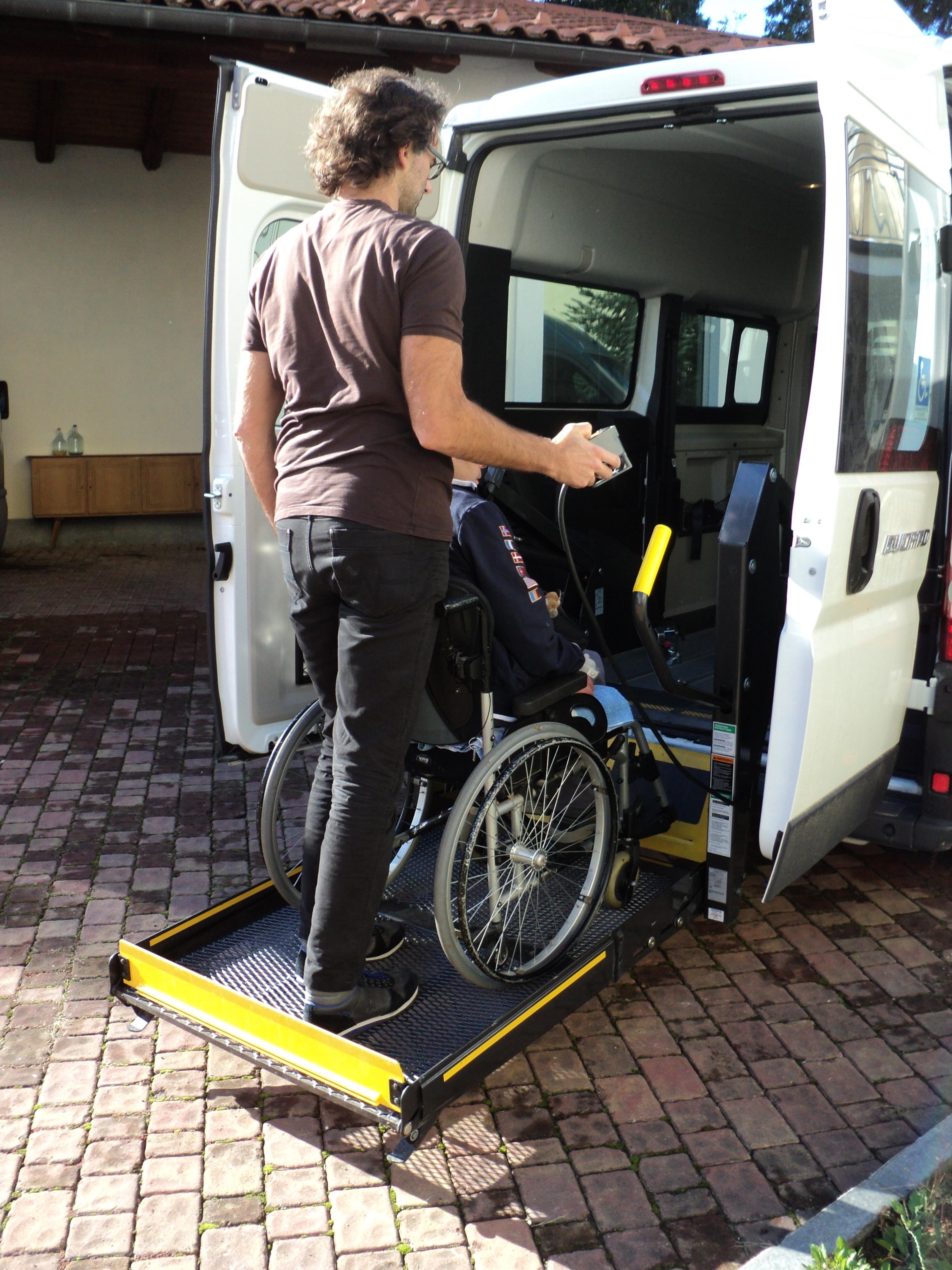 Nuovo automezzo per i servizi sociali di Cortona grazie al progetto