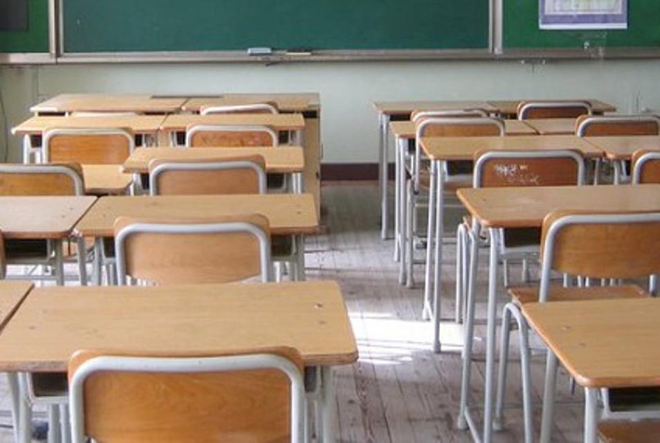 Monte San Savino, il Comune cede gratuitamente a cittadini e associazioni gli arredi scolastici usati