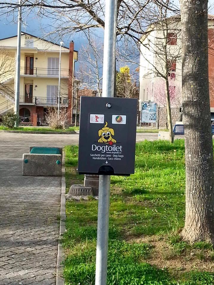 Cortona, novità per la cura dei cani nei giardini pubblici