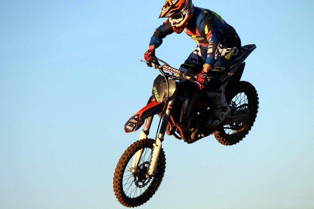 Motocross: Steels presenta la stagione 2016