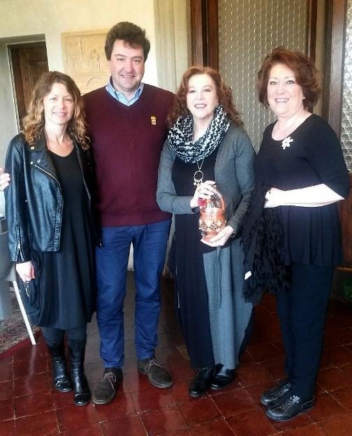 Stefania e Amanda Sandrelli ricevute in Comune a Monte San Savino