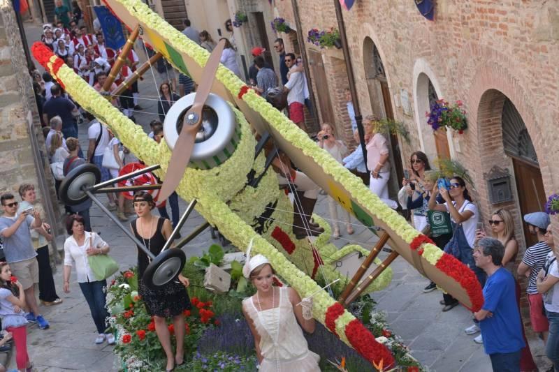 Maggiolata 2016, i carri (2): Porta San Giovanni