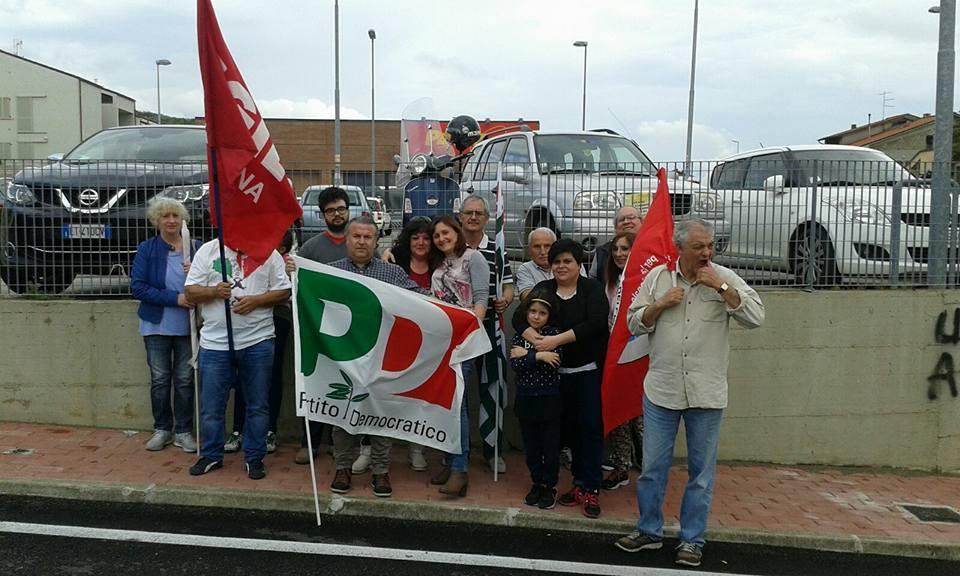 Castiglioni, le forze di opposizione cancellano scritte razziste