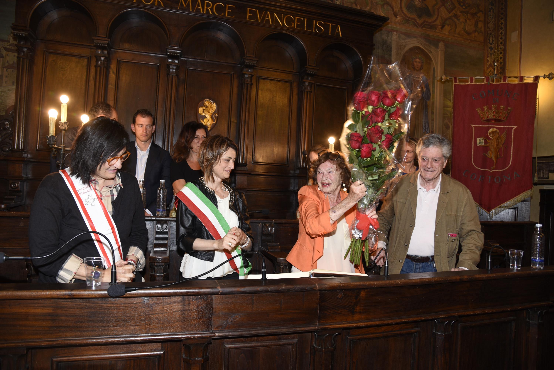 Cortona ha una cittadina in più: Inge Feltrinelli