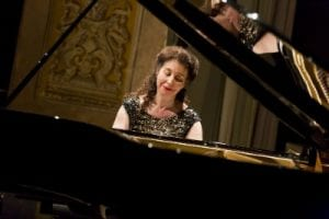 la pianista canadese Angela Hewitt