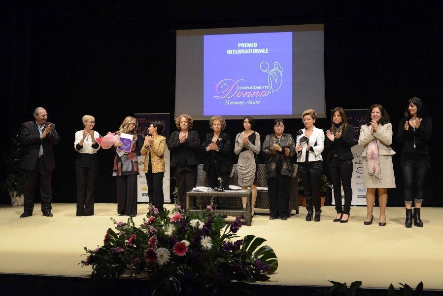 Si svolgerà a Cortona la quarta edizione del Premio 'Semplicemente donna'