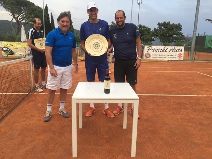 Vanni all'Open Cortona, trionfo e grande festa per il Tennis Club