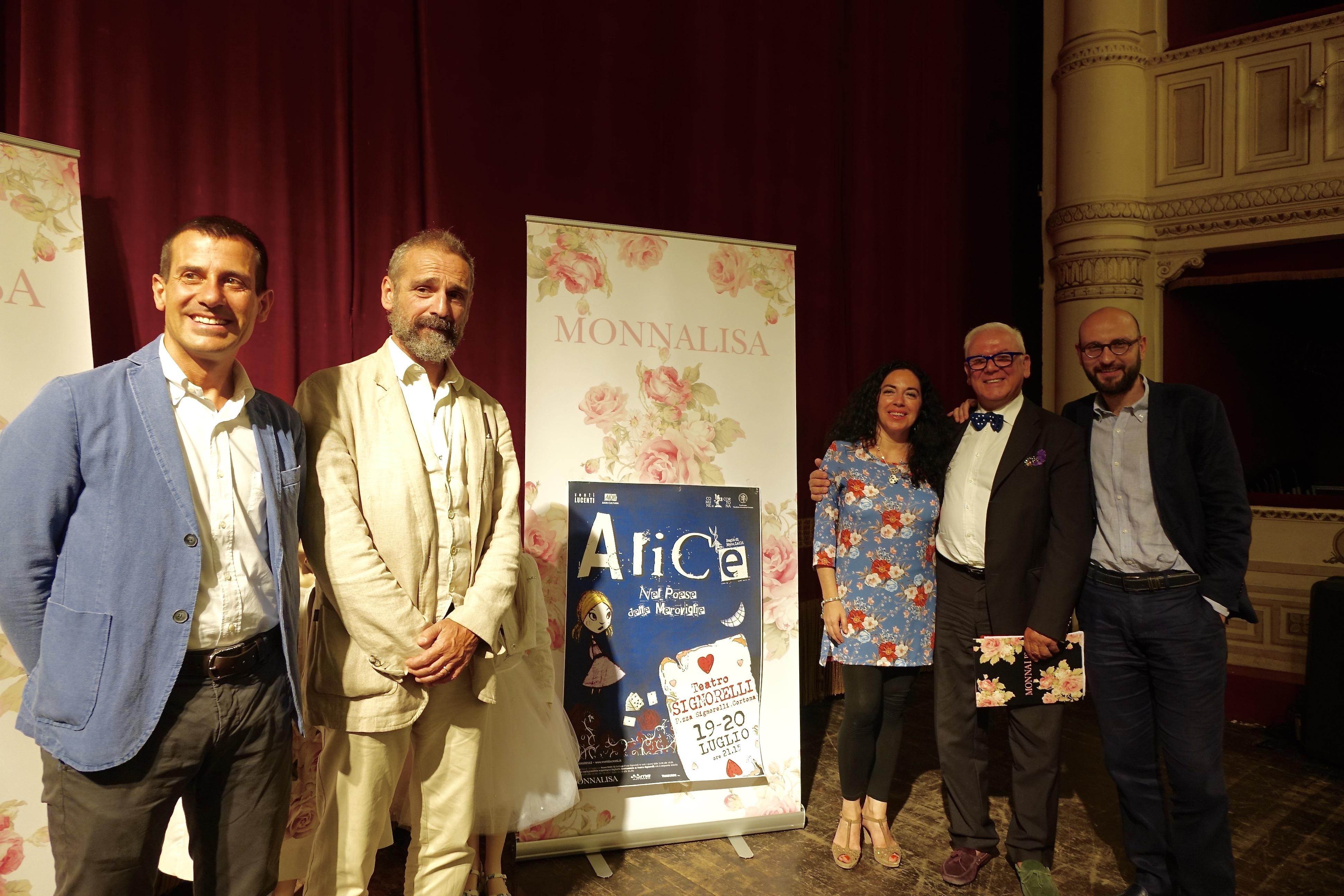 'Alice nel paese delle meraviglie' in scena al Signorelli, protagonisti i giovani cortonesi