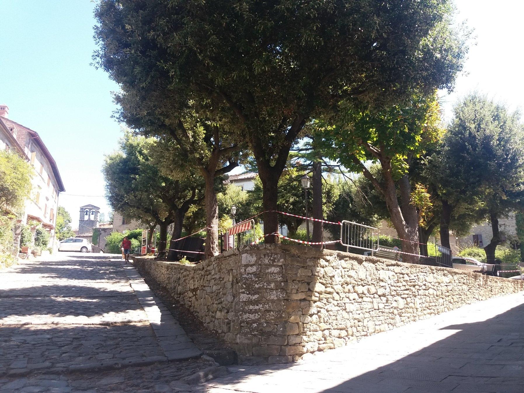 Piazza della Pescaia, un altro splendido angolo di Cortona torna a rivivere