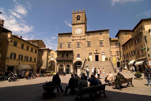 Cortona, via al Liceo Artistico