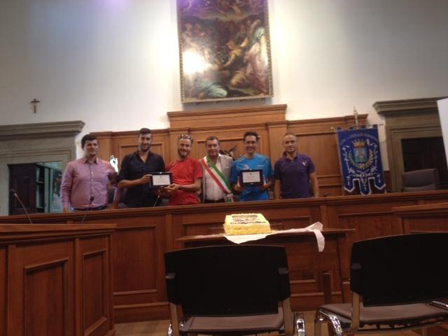 Un riconoscimento a Caselli e Frontini dopo l'impresa al Tor des Geants
