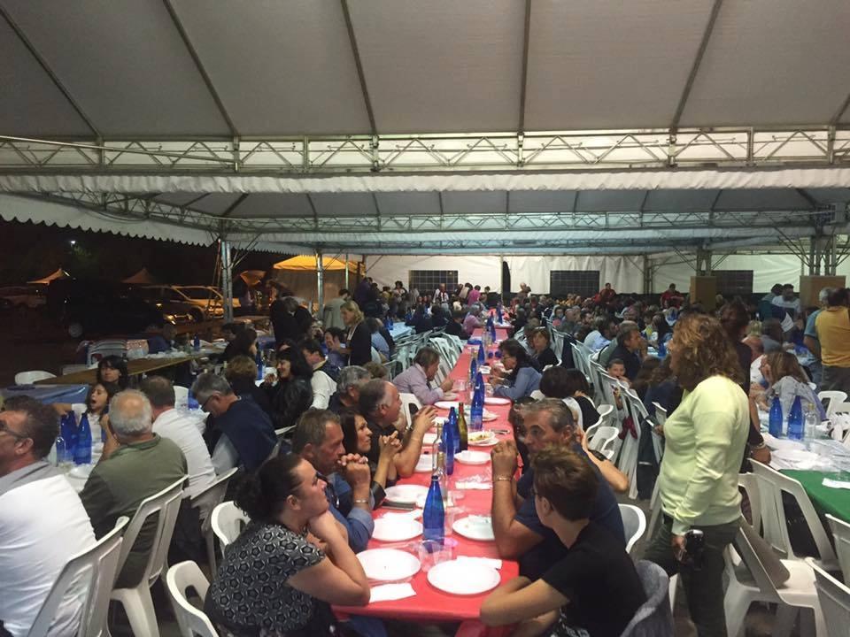 Oltre 1100 persone alla cena di solidarietà di Camucia