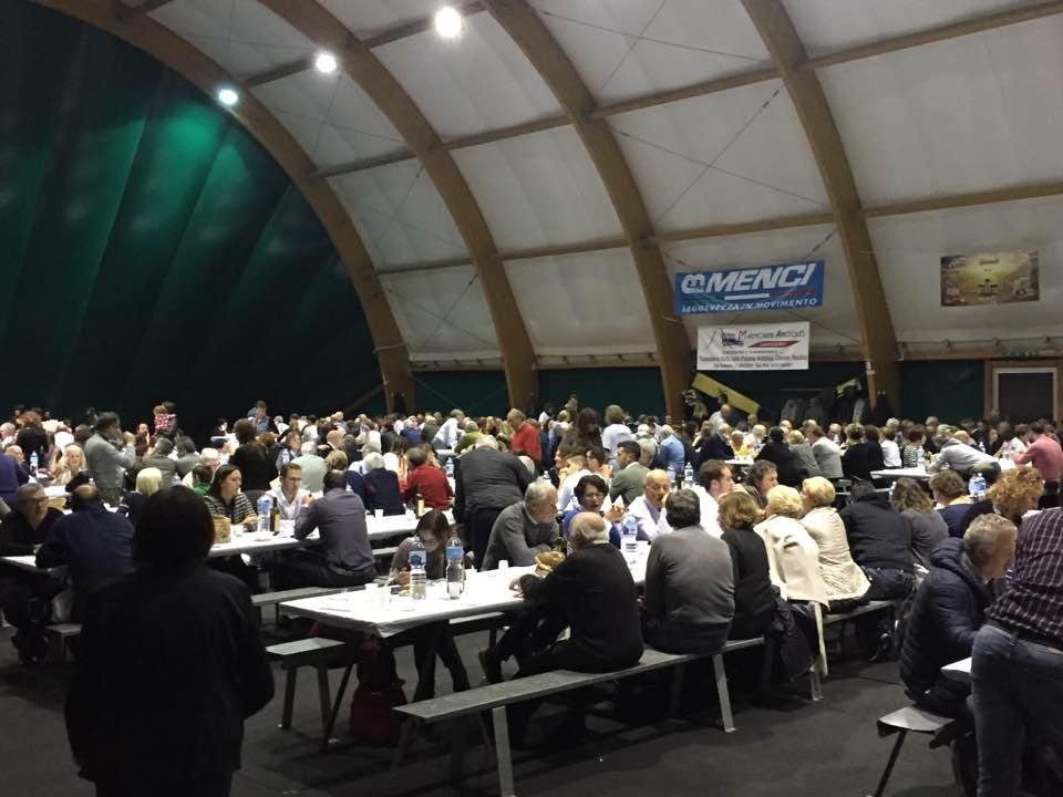In 520 alla 'Cena per la Ricostruzione'. Raccolti oltre 5mila euro per le vittime del terremoto