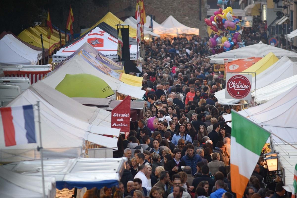 Ad Arezzo torna il Mercato Internazionale: oltre 220 stand