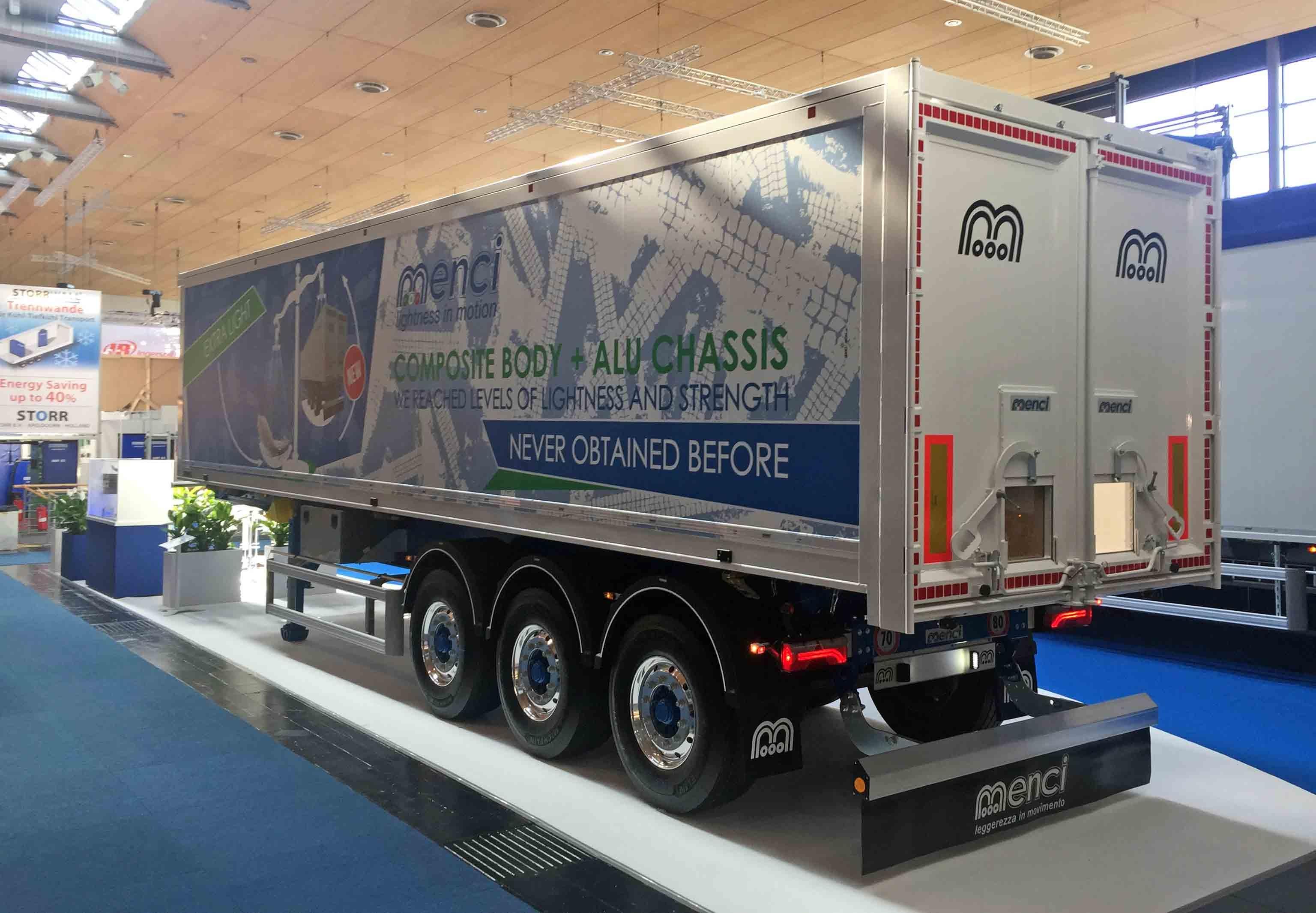 Menci presenta il primo veicolo in 'composito', una rivoluzione per il settore dei trasporti