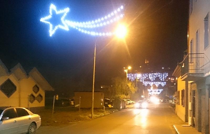 Nuove luminarie natalizie a Porta Romana