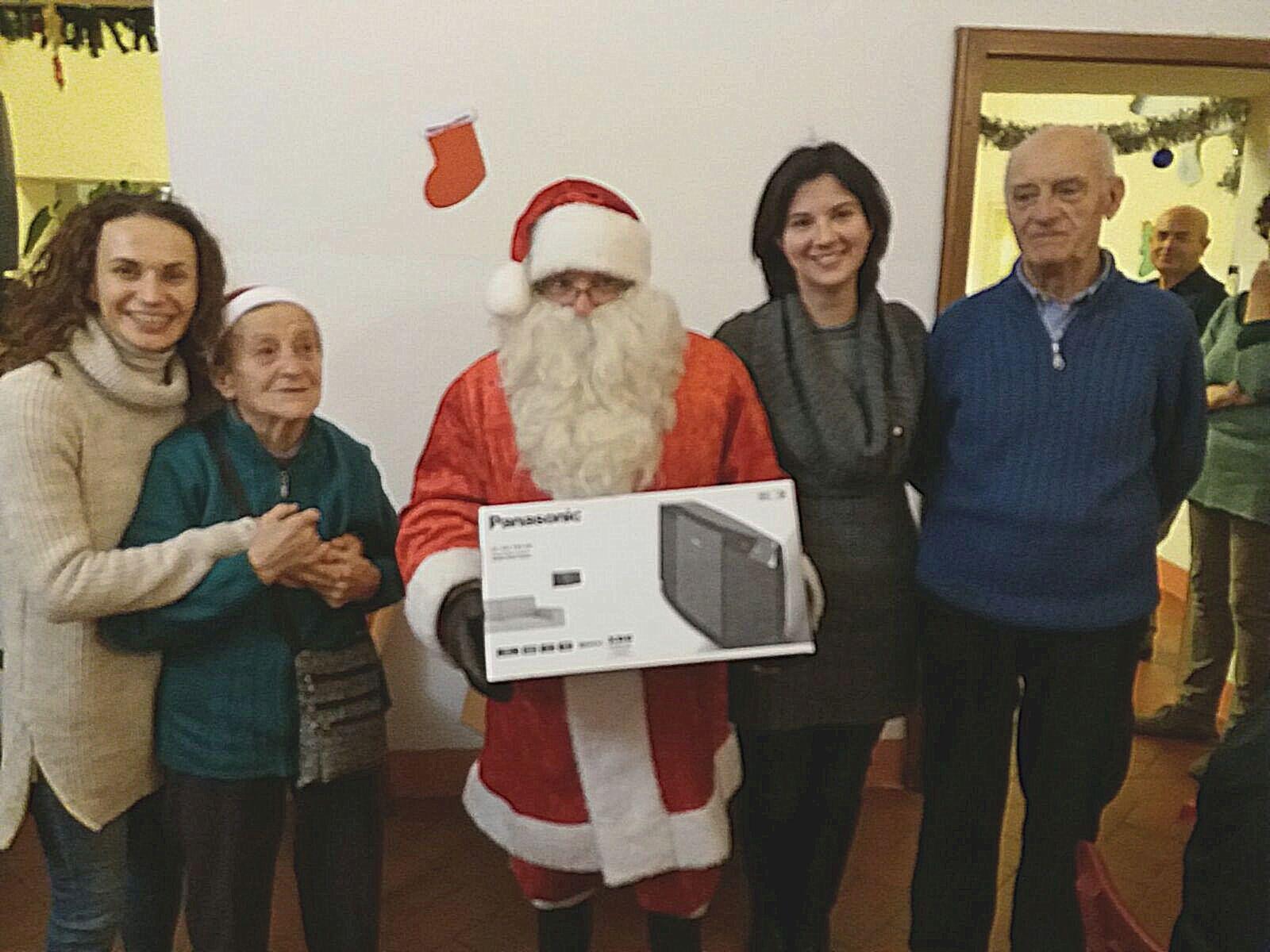 Un Natale speciale per gli anziani di Lucignano