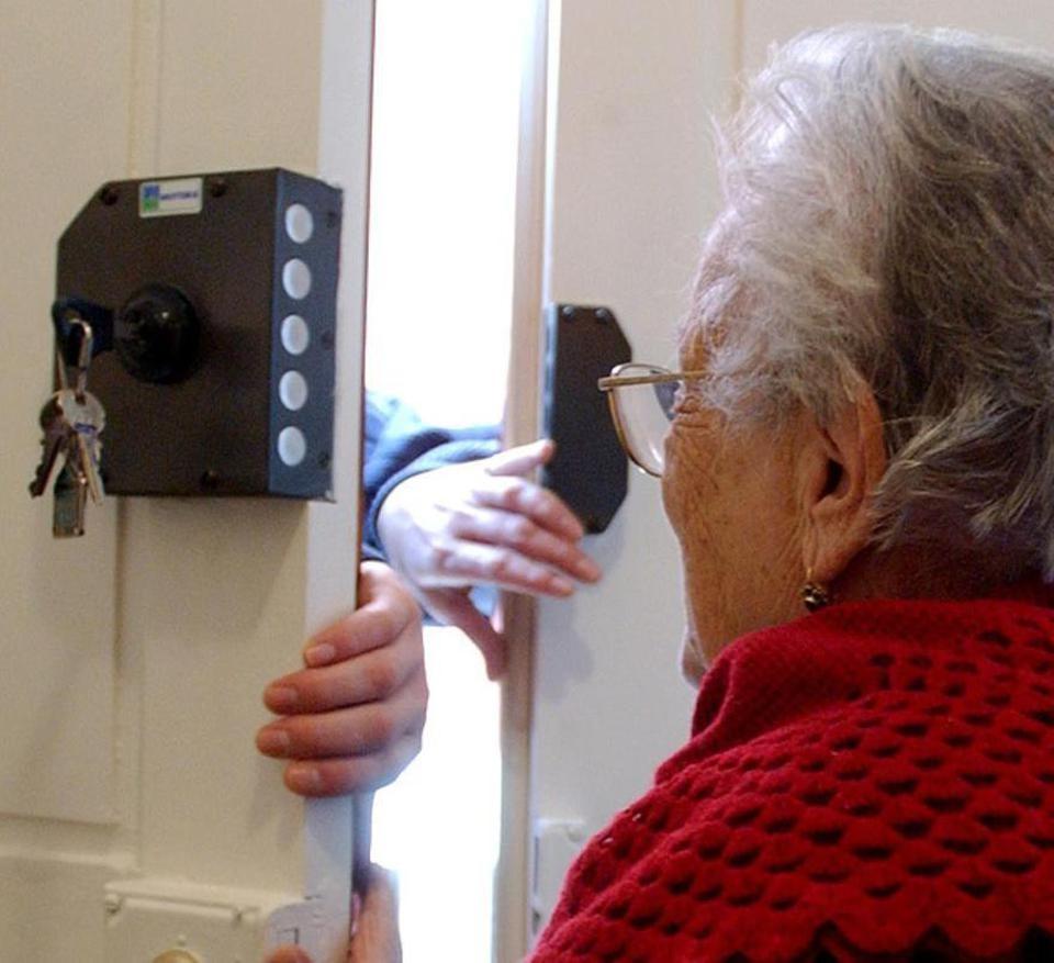 Truffe agli anziani, incontri con la cittadinanza a Cortona