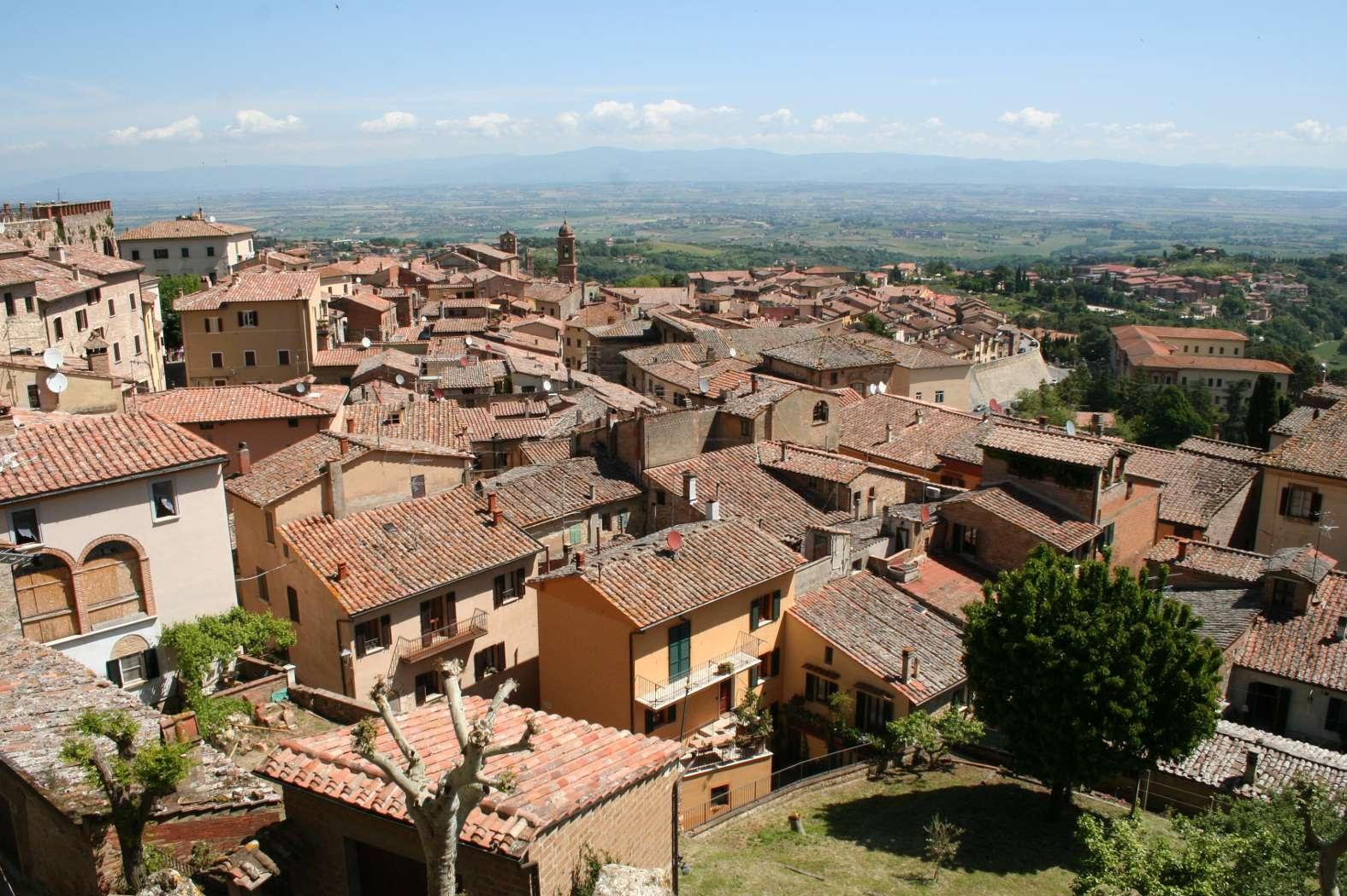 Montepulciano City Tour: arriva un minubus elettrico al servizio dei turisti