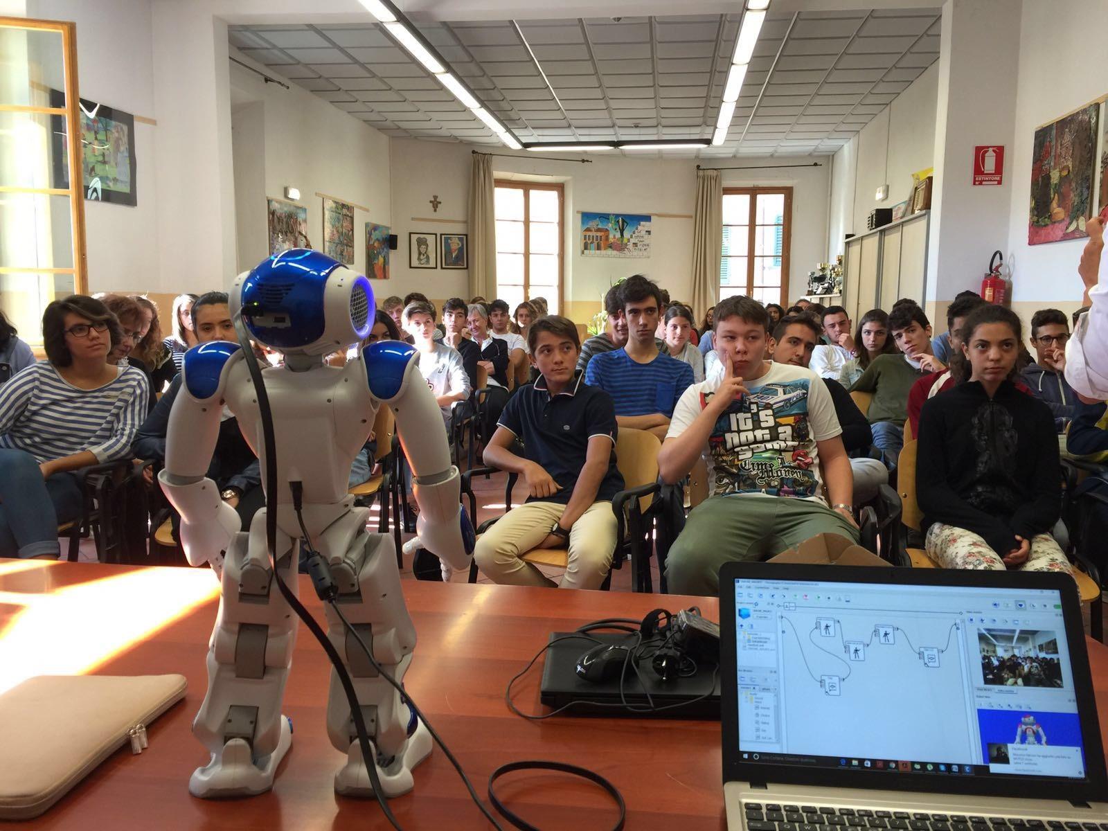 Nao il 'robot docente' di Foiano alla Camera dei Deputati