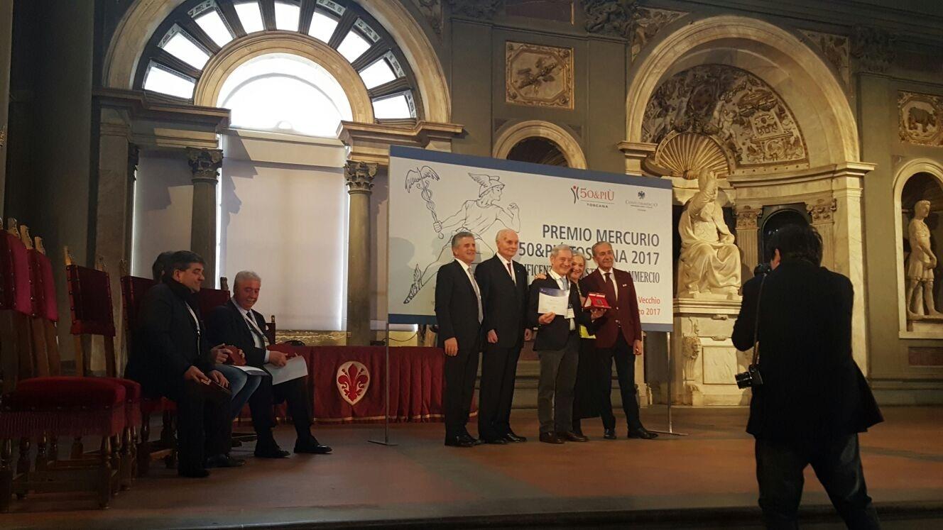 Il savinese Aldo Iacomoni ha ricevuto il 'Mercurio d'Oro'