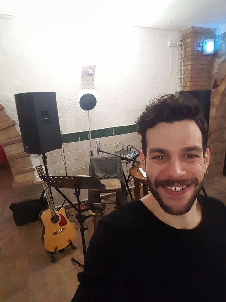 Giacomo Salvietti a 360 gradi. Il cantante cortonese si racconta a Valdichianaoggi