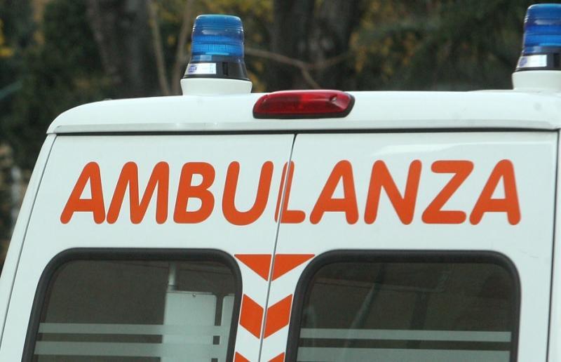 33enne foianese ferito gravemente in scontro frontale fra due auto